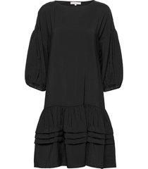 amelia dress knälång klänning svart soft rebels