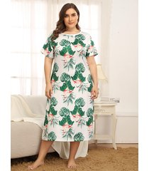 plus tamaño blanco tropical redondo cuello manga corta vestido