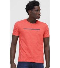 camiseta aleatory lettering laranja - laranja - masculino - algodã£o - dafiti