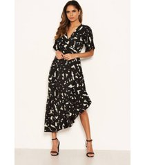 ax paris women's printed wrap side frill dress
