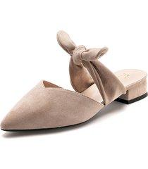 zapato tipo slipper de tacón bajo y ancho en natural - laila - frankie