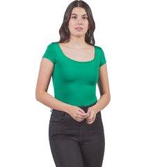 camiseta básica adrissa ajustada