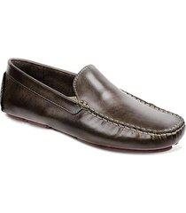 b989ee19d sapato casual para pés largos masculino driver sandro moscoloni endow  marrom escuro