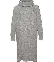 greta knälång klänning grå violeta by mango