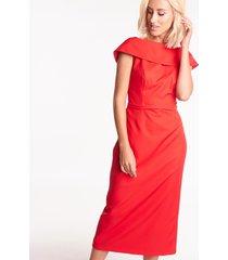 ołówkowa sukienka midi w czerwonym kolorze