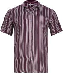 camisa líneas verticales color vino, talla m
