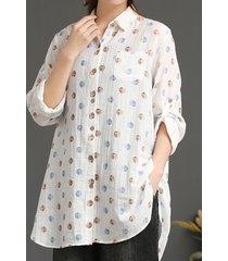 camicetta con risvolto ampio a maniche lunghe con stampa a pois e bottone tascabile