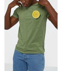 solid joakim ss t-shirt t-shirts & linnen green