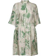 ornella x korte jurk groen tiger of sweden