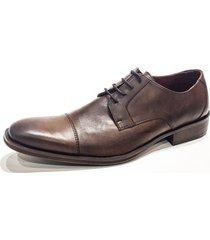 zapato marrón prototype fig tree
