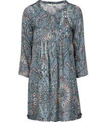 klänning triumph dress