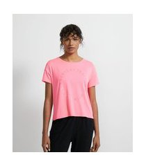 camiseta cropped esportiva em poliamida com estampa frase | get over | rosa | m