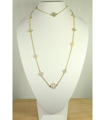 mix size mother of pearl motif necklace.