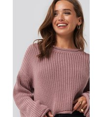 na-kd cropped boat neck knitted sweater - pink