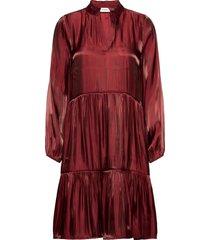 cadysz dress knälång klänning röd saint tropez