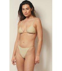 josefine hj x na-kd recycled bikinitrosa med justerbara sidoband - beige