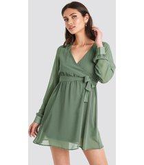 na-kd chiffon wrap mini dress - green