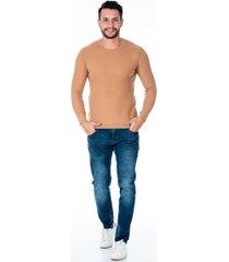 suéter tejido camel para hombre