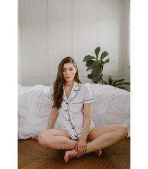 biała klasyczna piżama krótka