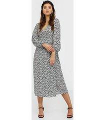 glamorous long sleeve floral midi dress klänningar