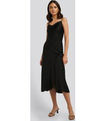 trendyol thin strap midi dress - black