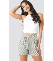 na-kd striped tied waist shorts - green