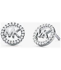 mk orecchini a bottone in argento sterling placcato in metallo prezioso con logo e pavé - argento (argento) - michael kors