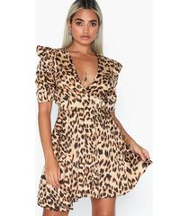 ax paris leopard v neck dress loose fit