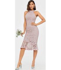 nly trend fab lace midi dress fodralklänningar
