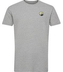 mountain tee t-shirts short-sleeved grå kronstadt