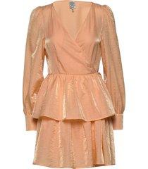 akeisha kort klänning rosa baum und pferdgarten