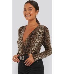 na-kd party overlap leo body - brown,multicolor