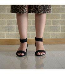 sandalia medium negra para mujer wide