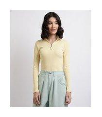 blusa feminina canelada com zíper de argola manga longa gola alta amarela