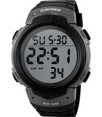 reloj digital estilo militar skmei 1068 negro plateado