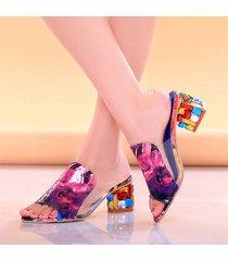 sandali con chuncky tacchi colorati