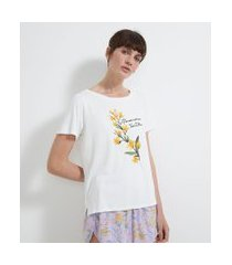 pijama com blusa manga curta e short em viscolycra estampa floral | lov | branco | m