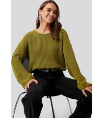 na-kd cropped boat neck knitted sweater - green