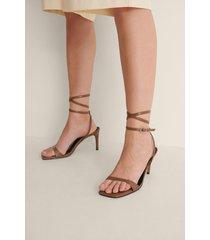 na-kd shoes glittriga högklackade sandaler - brown