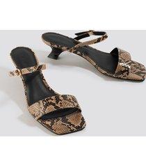 na-kd shoes asymmetric heel squared sandals - beige