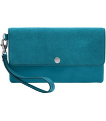 fossil women's leather wristlet