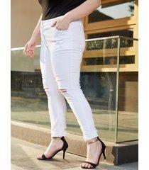 plus tamaño denim rasgado al azar blanco pantalones