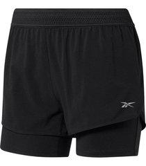 shorts reebok negro
