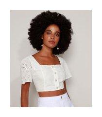 blusa de laise feminina cropped com botões manga curta decote reto off white