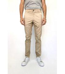 pantalón beige prototype chino