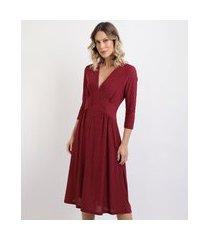 vestido feminino midi estampa de poá manga 7/8 decote em v vermelho escuro