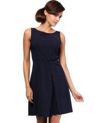 sukienka bez rękawów z przeszyciami