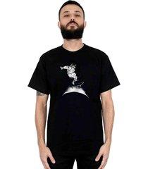 camiseta ventura cosmonauta preto - preto - masculino - dafiti