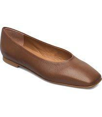 nikki leather ballerinaskor ballerinas brun flattered