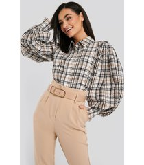 na-kd trend puff sleeve check oversized shirt - multicolor